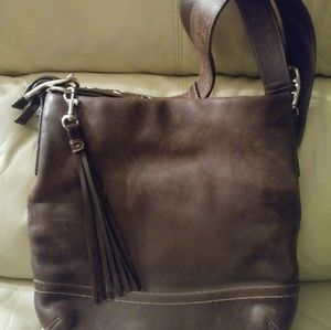 Coach dark brown leather shoulder bag. Gorgeous!